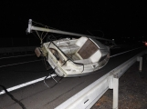 Aktuálně: Na dálnici blokuje jízdní pruh jachta