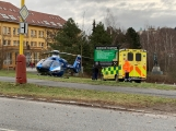 Aktuálně: Po pádu dítěte z okna byl přivolán záchranářský vrtulník