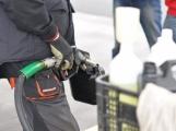 Ceny benzinu a nafty ve středních Čechách znovu zlevnily