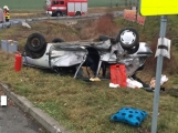 Aktuálně: Vážná dopravní nehoda u Milína! Hasiči vyprošťují zraněné osoby, na místě přistávají dva záchranářské vrtulníky