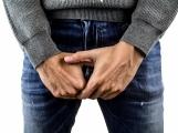 Hasiči zasahovali na chirurgii, sundavali perlátor z penisu