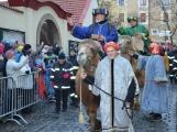Do Příbrami opět dorazili Tři králové na velbloudech