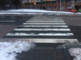 Viník incidentu v Milínské? Zřizovatel, řidič nebo chodkyně?