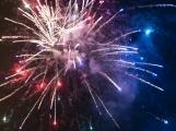 Ohňostroje a petardy mimo Silvestr obtěžují i baví. Jak dopadla anketa s případným zákazem používání zábavní pyrotechniky?