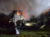 Na Živohošti byla požárem zasažena celá chata