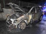 Aktuálně: Hasiči zasahují u požáru Mercedesu