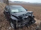 Aktuálně: Nárazem do stromu ukončil řidič jízdu u Hořovic