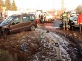 Aktuálně: Dopravní nehoda uzavřela silnici na Hluboš