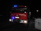 Za nočním výjezdem hasičů byla hořící sedačka