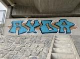 """Mosty na novém úseku dálnice """"zdobí"""" graffiti"""