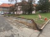 Město pokračuje v budování nových parkovacích stání