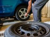 Dnes končí povinnost používat zimní pneumatiky