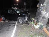Série dopravních nehod nekončí ani po půlnoci, k další byl přivolán i záchranářský vrtulník