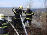 K nahlášenému požáru odpadu vyjely dvě jednotky hasičů