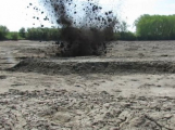 Nalezený protipancéřový granát v rybníku zaměstnal pyrotechnika