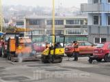 Silkot nestíhá, město na opravy silnic najímá i externí firmy