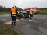 Při dopravní nehodě zdemoloval řidič Fabii, doprava je v místě značně omezena