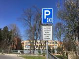 Na některých parkovištích je možné zaparkovat pouze na hodinu