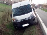 Další řidič narazil se svým vozidlem do stromu!