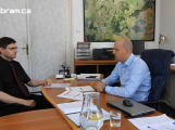 """""""Pokud se zastupitelé rozhodnou, že aquapark nebude, tak jej do dvou let zavřeme,"""" říká Martin Buršík v pořadu Na slovíčko"""