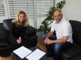 """""""Chceme vytáhnout děti z obýváků na venkovní plácky,"""" říká Jiří Holý v pořadu Na slovíčko"""