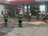 Aktuálně: Na čerpací stanici v Březnici došlo k velkému úniku pohonných hmot
