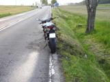 Aktuálně: Dopravu u Dublovic komplikuje nehoda motorkáře s autem