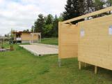 Návštěvníci Nového rybníka v létě ocení nové převlékací kabinky