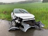 Řidič za Milínem vyjel ze silnice a zdemoloval svůj hyundai