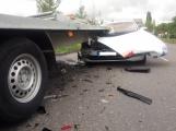 Aktuálně: Řidič Superbu nedobrzdil a narazil do přívěsu