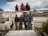Příbramští záchranní psi vyzkoušeli sutinový trenažér