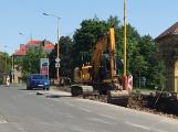 U Divadla Antonína Dvořáka vyrůstají nová parkovací místa
