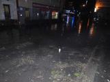 Aktuálně: Bouřka a přívalové deště zaměstnávají hasiče