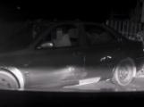 Video: Zfetovaný muž se zákazem řízení ujížděl policejní hlídce