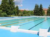 Jak je to s plaváním a provozem sauny Aquaparku Příbram o prázdninách?