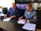 Smlouva o společném prodeji je podepsána