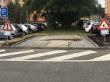 Obyvatelé Drkolnova se dočkali dalších parkovacích míst