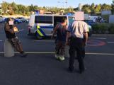 Drobná nehoda u Kaufladnu vyústila v bitku, jeden z řidičů skončil v poutech