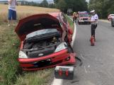 Po střetu auta s kombajnem skončila žena v nemocnici