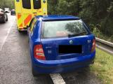 Dopravní policisté pátrají po řidiči, který na Strakonické nezastavil u dopravní nehody