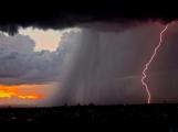 Meteorologové vydali výstrahu před silnými bouřkami