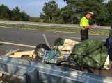 Na dálnici šetří policisté střet dvou vozidel