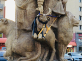 Sousoší z kašny na náměstí 17. listopadu je od včera znovu kompletní