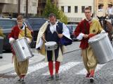 Svatohorská Šalmaj: Den plný hudby, tanců, loutek a šermu