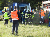 Cvičení záchranných složek: Na Příbramsku havaroval autobus s vězni, dva utekli