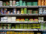 """Zloděj """"fajnšmekr"""" odcizil konzervy s tuňákem v hodnotě čtyř tisíc"""
