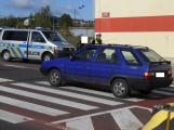 U Kauflandu srazilo auto chodkyni na přechodu