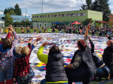 Rekord pokořen: Dobříšská pikniková deka je největší v Česku