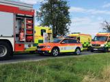 Příbramští fotbalisté havarovali poblíž Bílovce, z autobusu je museli vyprostit hasiči