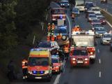 Dopravní nehoda uzavřela dálnici D4, jedno z vozidel skončilo na střeše